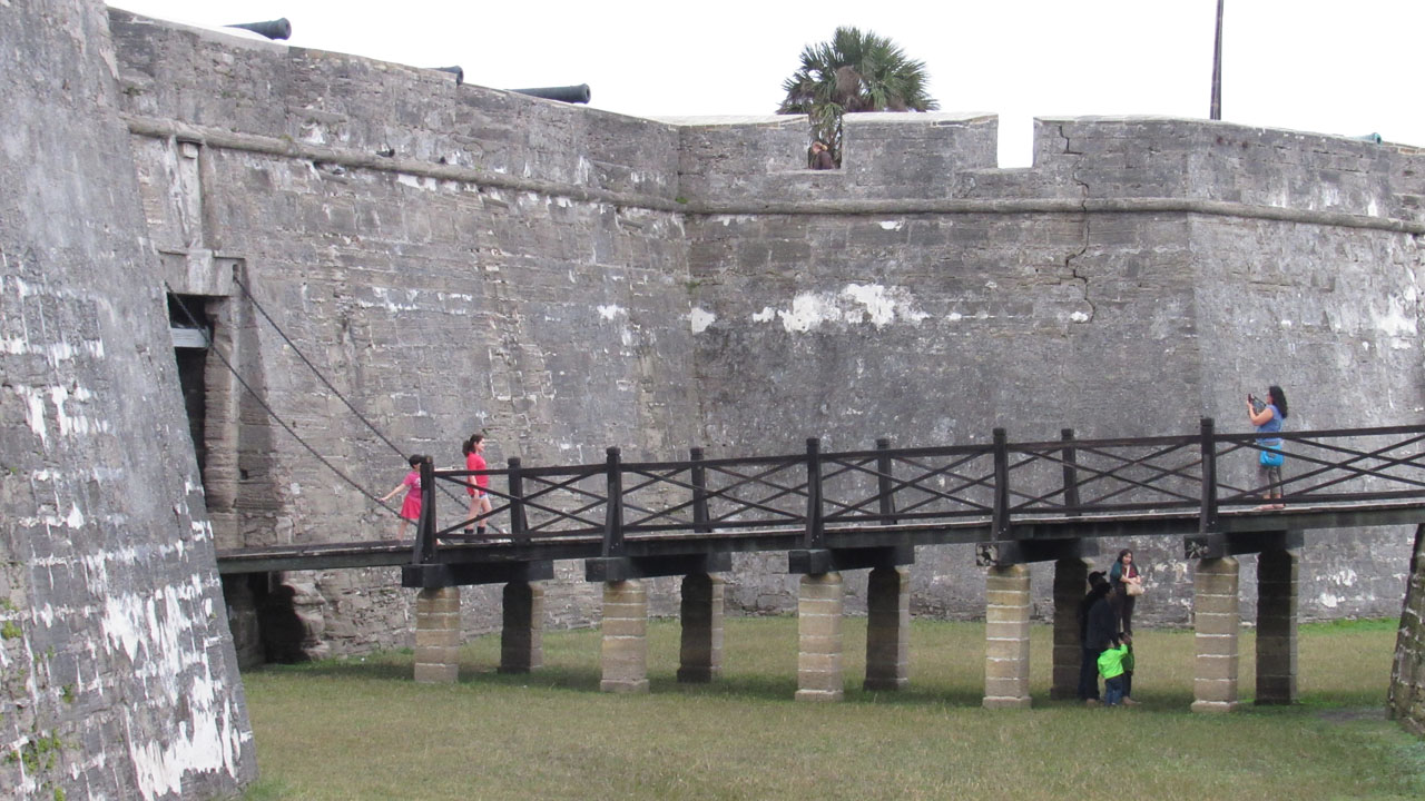 Castillo Entrance 2